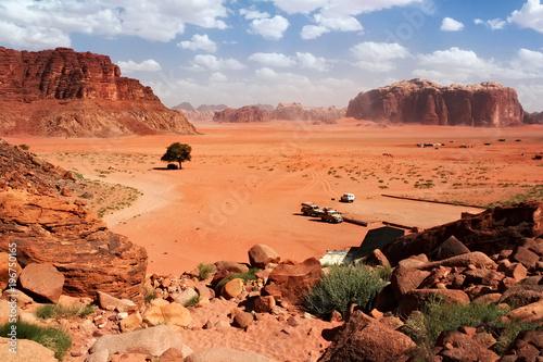 Photo  Aerial view to the Wadi Rum desert in Jordan