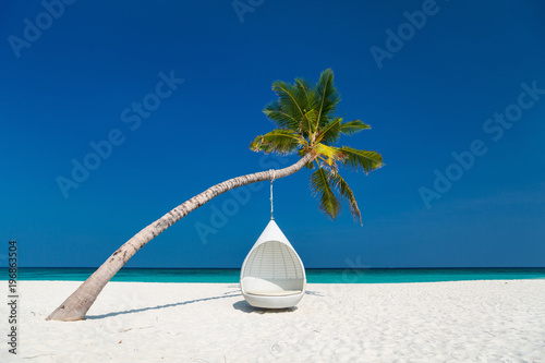 Photo  Beautiful tropical beach in Maldives