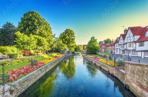 rzeka-w-canterbury-anglia