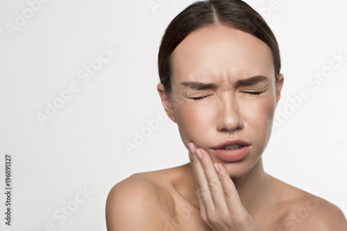 Facial pain of left side