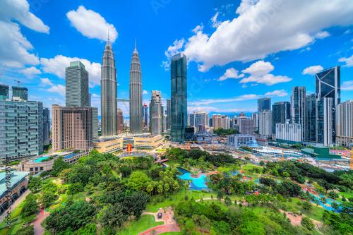 Foto op Aluminium Kuala Lumpur Kuala Lumpur, Malaysia. The Twin Towers and KLCC Park