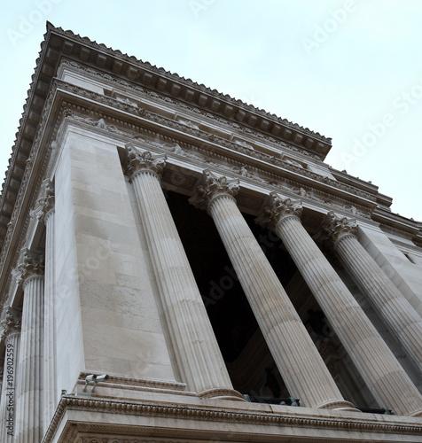 Fotografie, Obraz Korinthische Säulen des neoklassizistischen  Vittorio Emanuele