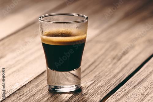 Fotografie, Obraz  Schwarzer Genuss: Espresso-Zeit