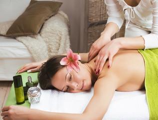 Obraz na płótnie Canvas stock photo attractive lady getting spa treatment in salon, heal