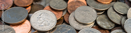Fotografía  Pile of American Dollar Currency Coins Quarters Dimes Nickels Pennies