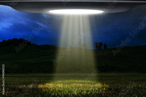 Photo sur Aluminium UFO Ufo flying at night
