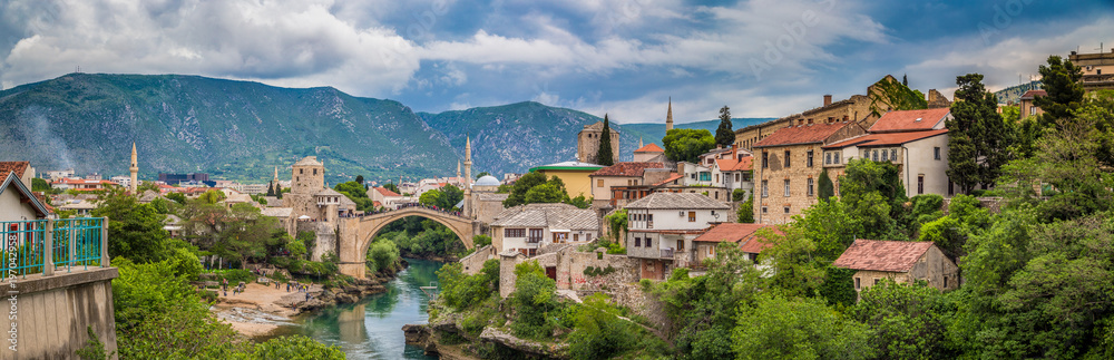 Fototapety, obrazy: Old town of Mostar with famous Old Bridge (Stari Most), Bosnia and Herzegovina