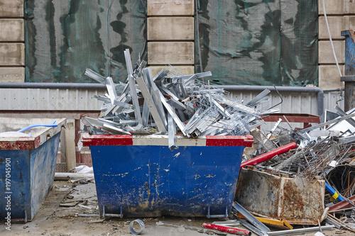 Fotografía  Removal of debris