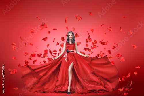 Fényképezés  Fashion portrait of young woman in long dress