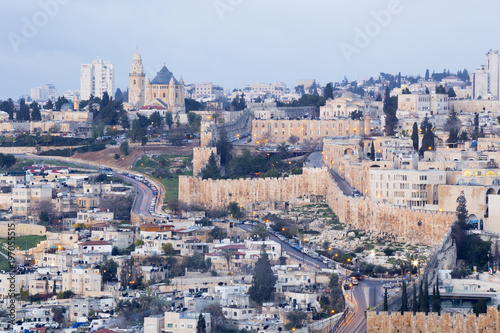 Obraz na plátně Jerusalem - Outlook from Mount of Olives to Dormition abbey and south part of town walls in morning dusk