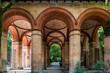 Eingangshalle zum alten Südfriedhof München, mittlerweile eine Parkanlage