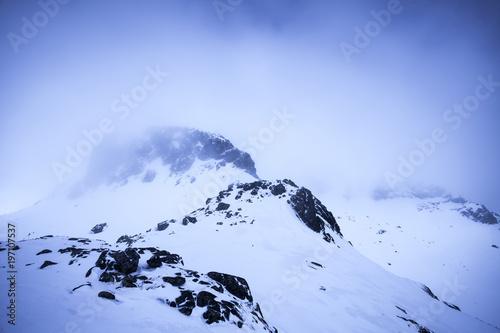 Fototapety, obrazy: Góry skąpane w świetle