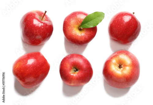 Fotografie, Obraz  Ripe red apples on white background, flat lay
