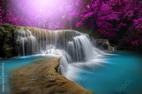 Photo sur Toile Cascades Huay Mae Kamin Waterfall, beautiful waterfall in rainforest at Kanchanaburi province, Thailand