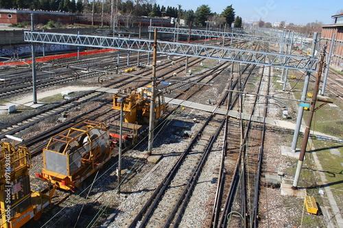 Photo sur Toile Voies ferrées binari del treno - viaggiare per lavoro e per turismo