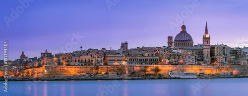 Fotografie, Tablou  Panoramic skyline of illuminated Valletta in Malta