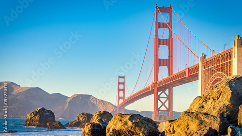 Photo sur Aluminium Ponts San Francisco Beach View At Golden Hour