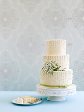 Fancy Decorated White Wedding ...