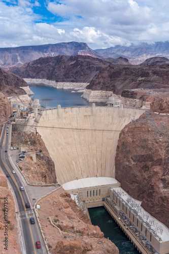 In de dag Dam Aerial view to the Colorado river and the Hoover Dam