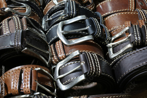 belts of leather for sale in the italian store Canvas-taulu