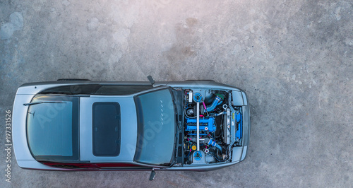 Photo Top view super car engine open up.