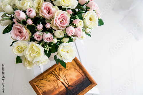 Fototapety, obrazy: Bridal bouquet and photograph