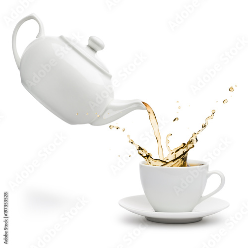 Stampa su Tela  teapot pouring tea into cup on white background