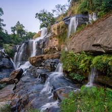 Mae Klang Waterfall, Doi Intha...