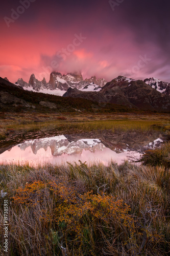 Papiers peints Marron chocolat Fitz Roy sunrise
