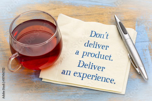 Cuadros en Lienzo  Do not deliver a product, but experience
