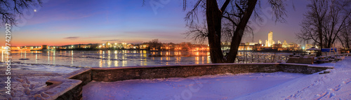 Fotografie, Obraz Night scene from Rensselaer NY looking to Albany in winter over the Hudson River