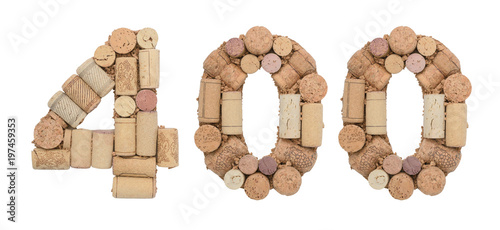 Fotografia  Number 400 four hundred made of wine corks Isolated on white background