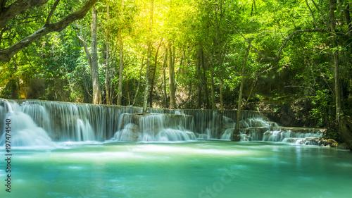 Foto op Plexiglas Groene The Beautiful water fall Huay Mae Kamin in Kanjanaburi,Thailand