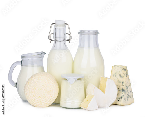 Montage in der Fensternische Milchprodukt Natural dairy products isolated on white background