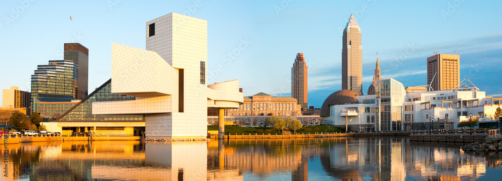 Fototapety, obrazy: Skyline from the harbor at sunset, Cleveland, Ohio, USA