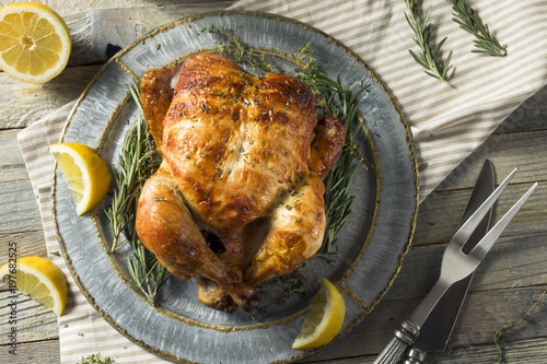 Tuinposter Kip Homemade Rotisserie Chicken with Herbs