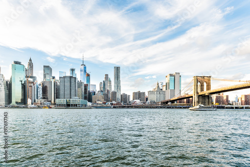 View of outside outdoors in NYC New York City Brooklyn Bridge Park by east river Fototapet