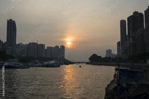 Poster de jardin Havana Sunset on Hong Kong Bay, China
