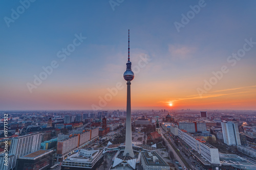 In de dag Berlijn Sunset at the famous Television Tower in Berlin, Germany