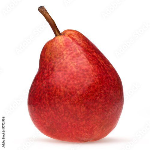 Photo Red pear closeup isolated on white background with shadow.