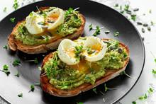 Healthy Avocado And Egg Toasts...