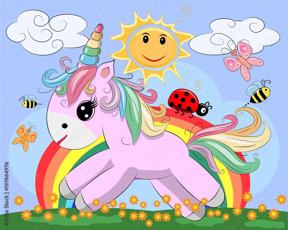 Mała różowa kreskówka jednorożca na polanie z tęczy, kwiatów, słońca. Pocztówka, wiosna, magia