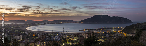 Fotografie, Obraz  Vista panoramica de la ciudad de Laredo y Santoña al atarceder y la ria de Treto