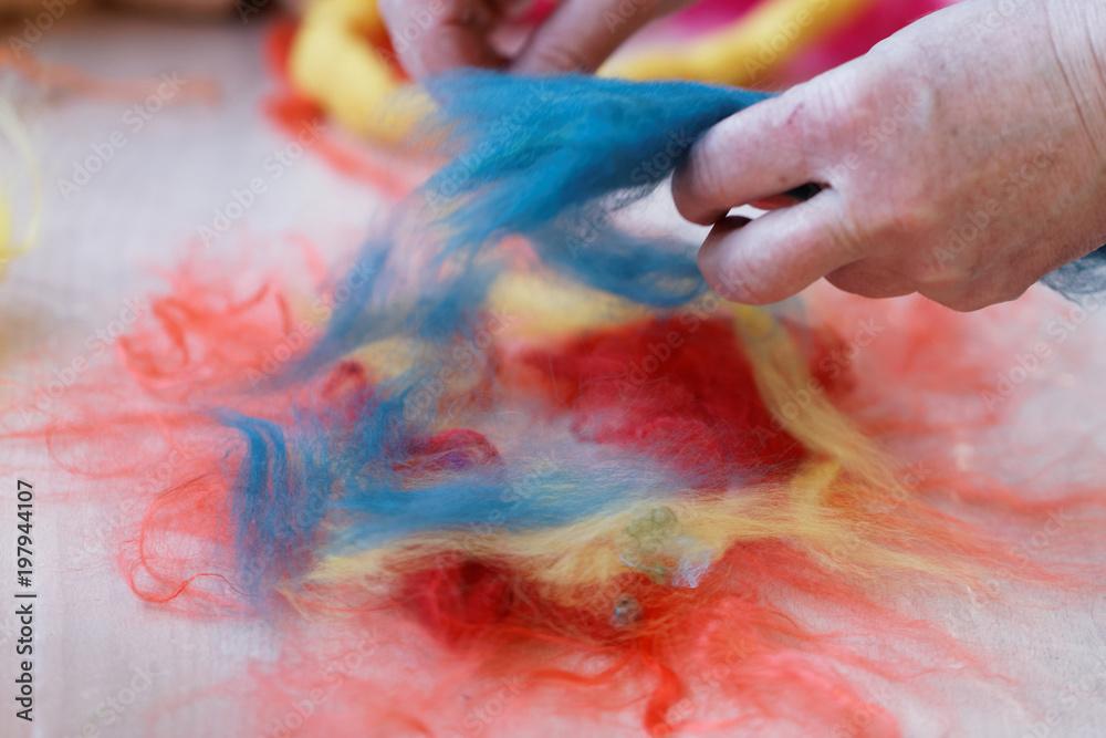 Fototapety, obrazy: Preparations for wet felting
