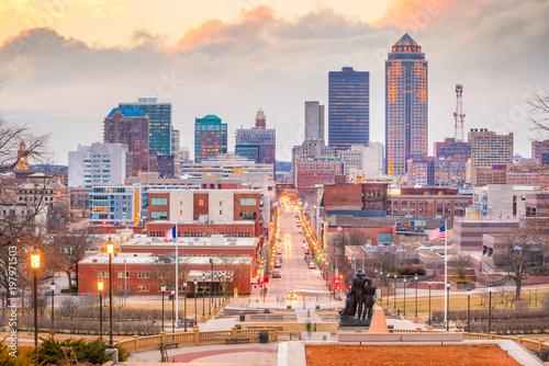 Foto auf Gartenposter Weiß Des Moines Iowa skyline in USA