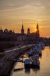 Terrassenufer von Dresden zu Sonnenuntergang