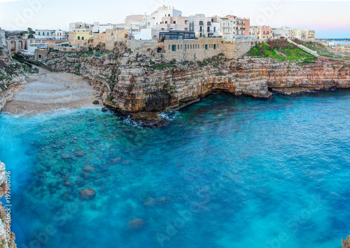 Cuadros en Lienzo Morning view of Polignano A Mare town
