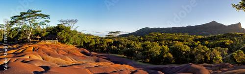 Türaufkleber Afrika Die Siebenfarbige Erde bei Chamarel auf Mauritius, Afrika.