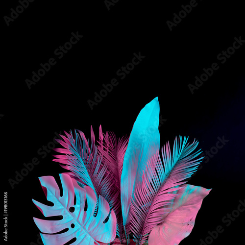 Spoed Foto op Canvas Palm boom Tropical and palm leaves in vibrant bold gradient holographic neon colors. Concept art. Minimal surrealism background.