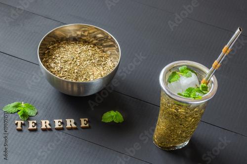 terere. frozen yerba mate drink Fototapet